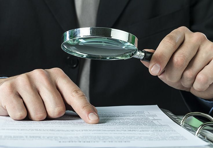 Détective d'affaires pour saisir les actifs d'une entreprise débittrice